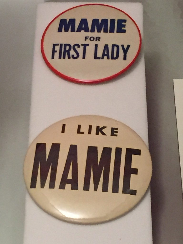 Mamie Buttons
